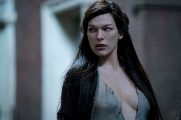 milla-jovovich-blood-queen-in-hellboy-2019-p3